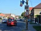 Un zâmbet pentru fiecare: Poliţia Rutieră a pus radare la trecerile de pietoni din centrul comunei Sînmartin