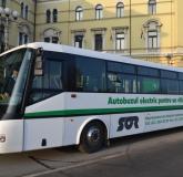 Autobuz electric tamponat in Oradea 2