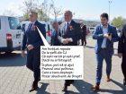 Prefect cu chiparăş: După modelul Pasztor Sandor, prefectul Ioan Mihaiu și-a tras fotograf